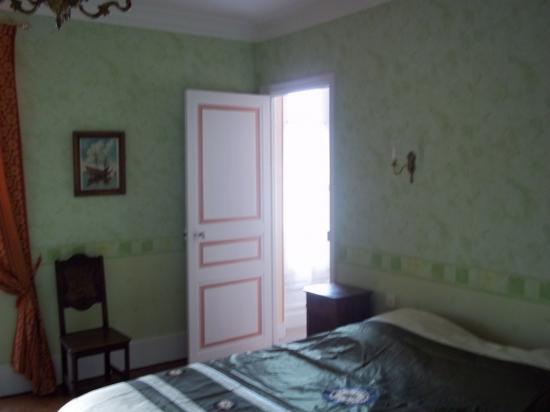 chambre verte  lit de 180