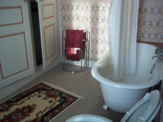 salle de bains chambre verte